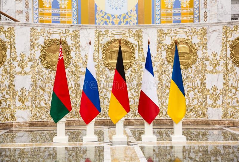 Förhandlingar av ledare av tillstånd i normandiskt format i Minsk royaltyfri fotografi