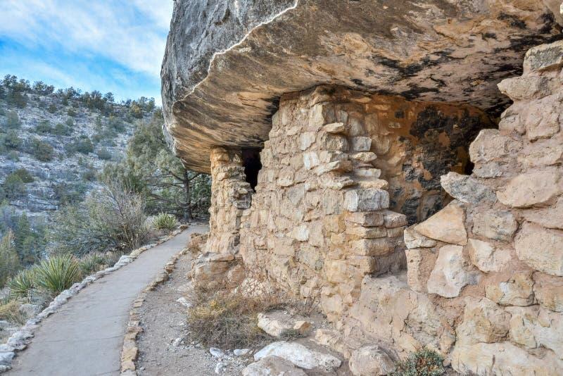Förhistorisk klippaboning i nationell monument för valnötkanjon i Arizona arkivbild