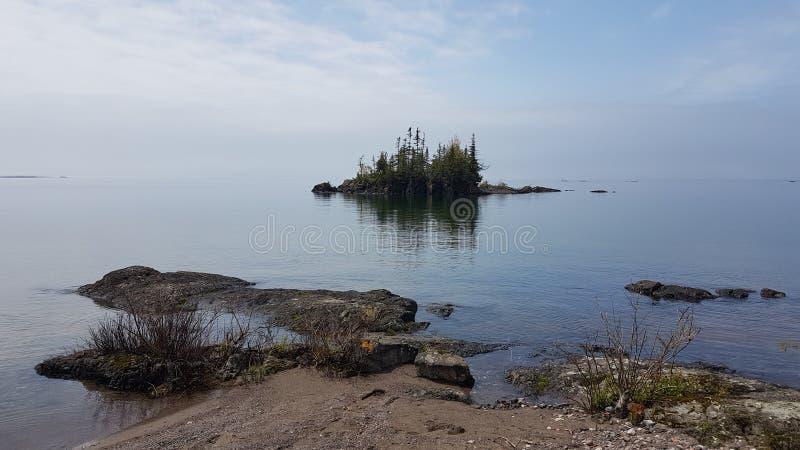 Förhistoriska landskap i sjöns överlägsen ontario canada royaltyfri foto