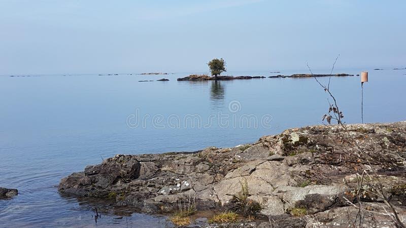 Förhistoriska landskap i sjöns överlägsen ontario canada royaltyfri bild