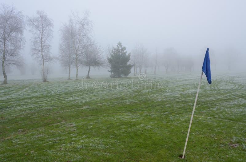 Förkylning och Frosty Golf Course arkivbilder