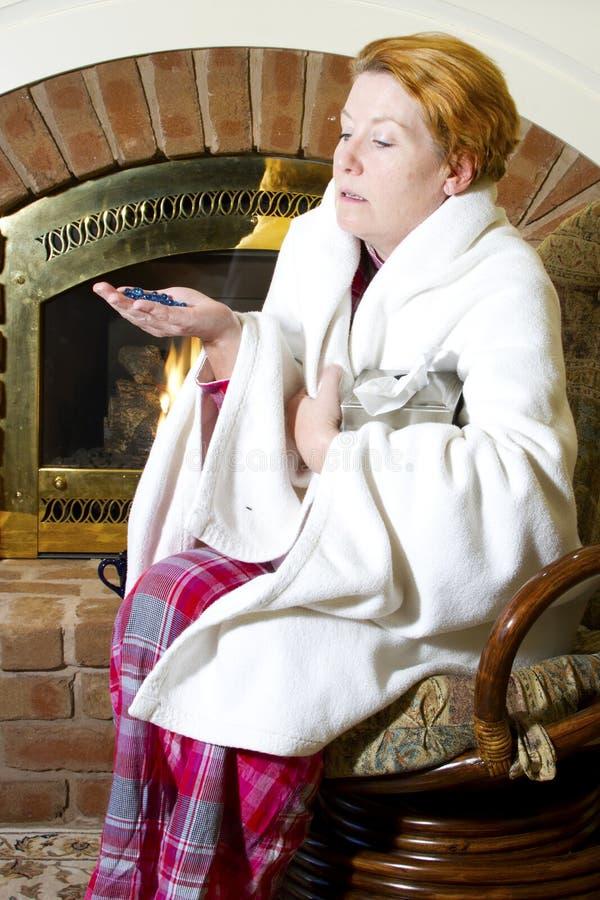 Förkylning- och influensamedicin royaltyfri fotografi