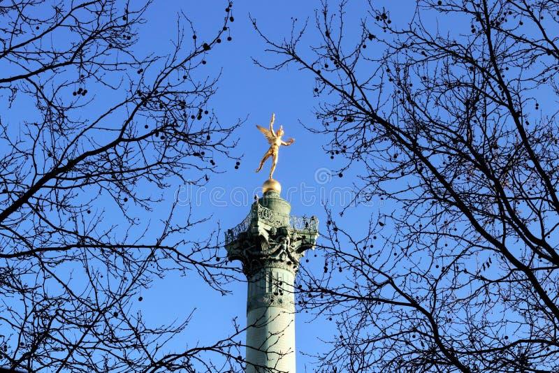 Förlägga de la Bastille Snille av frihet på den Juli kolonnen Paris royaltyfri foto