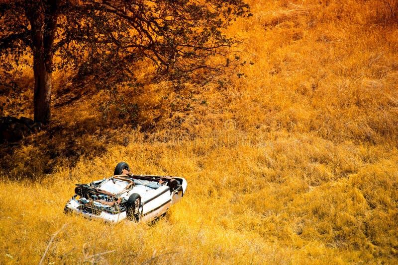 Förlängning kraschad bil arkivbild