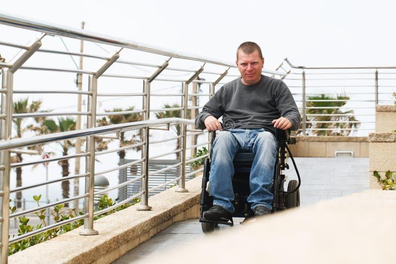Förlamad i båda benen - rullstol royaltyfri fotografi
