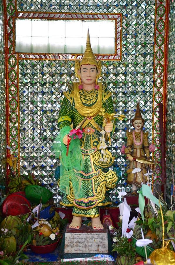 Förmyndare av Rohani Bo Bo Gyi på den Botahtaung pagoden i yangon Myanmar royaltyfria foton