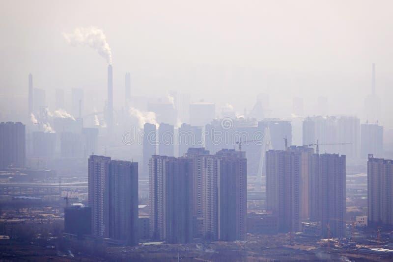 förorening för fabrik för luftbakgrund blå fotografering för bildbyråer