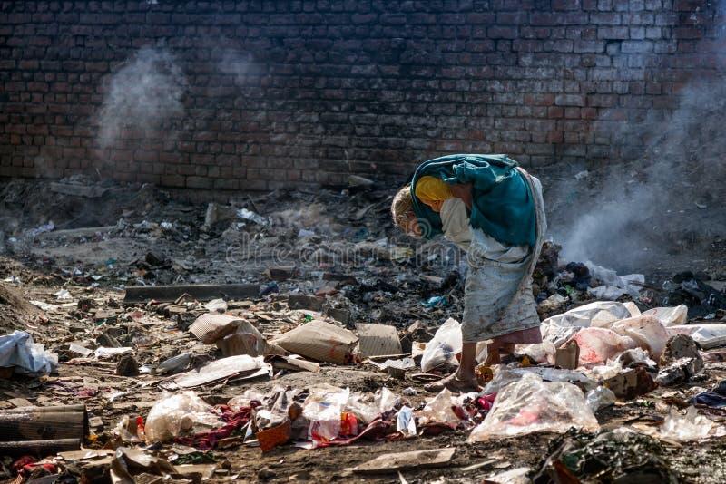 Förorening och armod royaltyfri bild