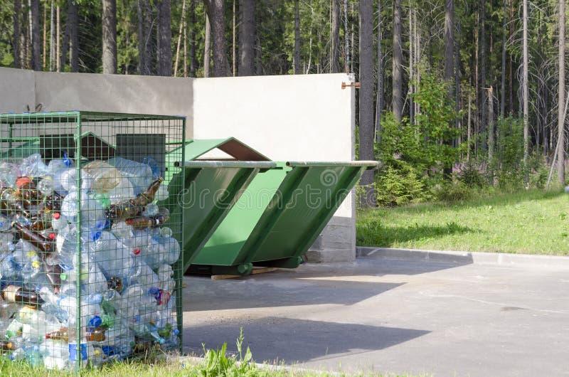 Förorening och miljöskydd och ekologi arkivfoto