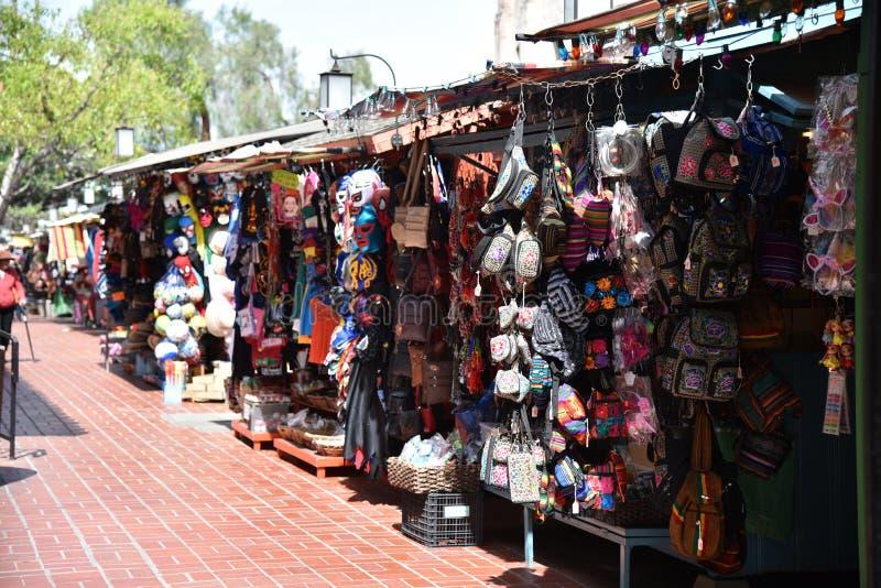 Försäljare på den Olvera gatan i Los Angeles arkivfoton