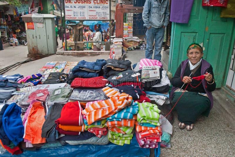 Försäljare på Gangtok arkivbilder