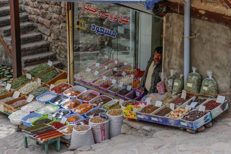 Försäljningen av kryddor i basarerna av Iran arkivfoton