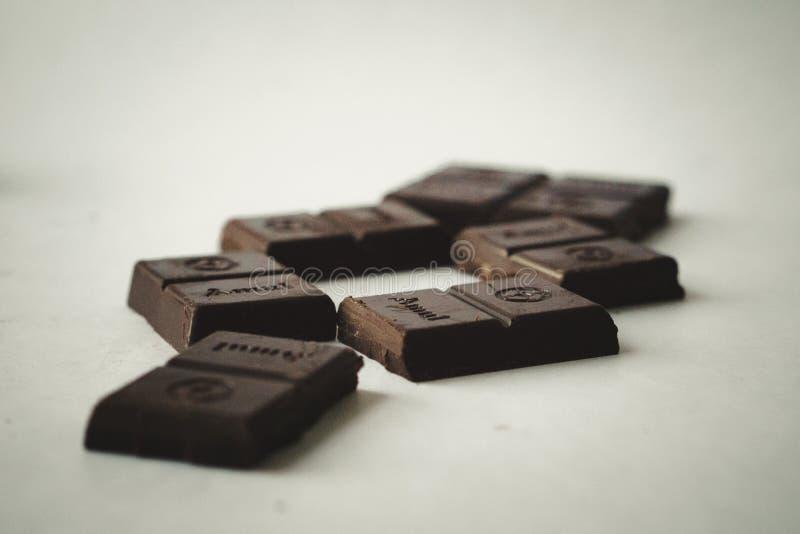 Försök några choklader och kräva för mer! arkivfoton