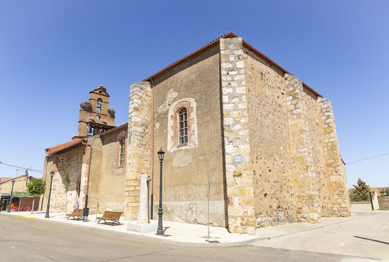 Församlingkyrka av St Michael ärkeängeln i Montamarta royaltyfria bilder