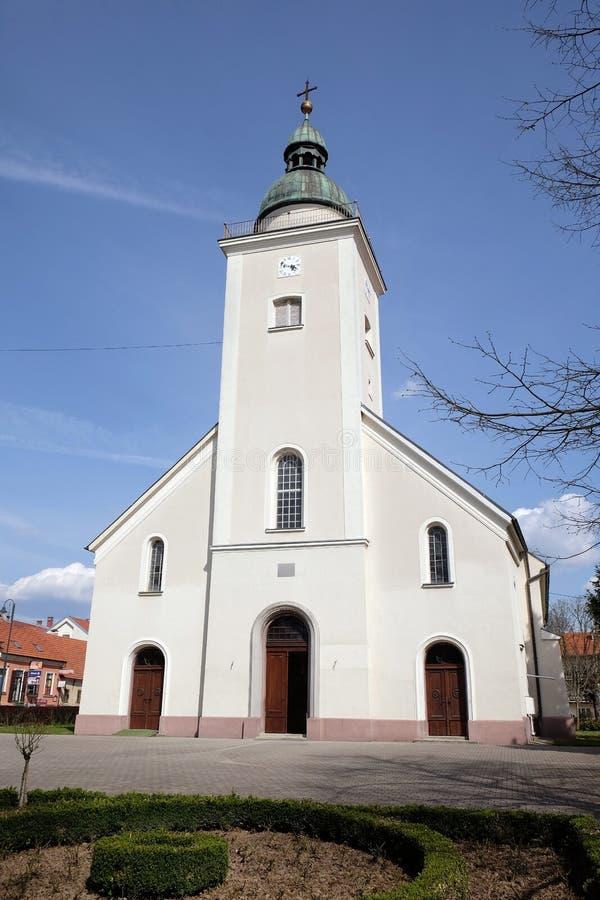 Församlingkyrkan av den heliga Treenighet i Donja Stubica, Kroatien arkivfoto