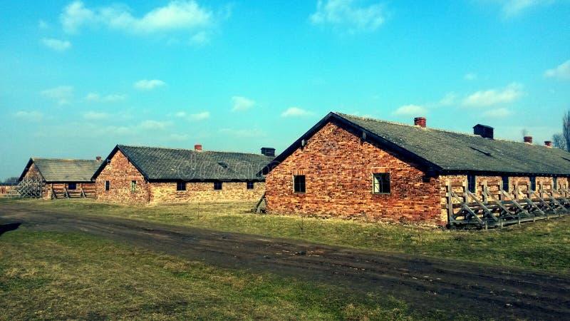 Försett med en hulling - trådkoncentrationsläger Auschwitz Birkenau royaltyfri foto
