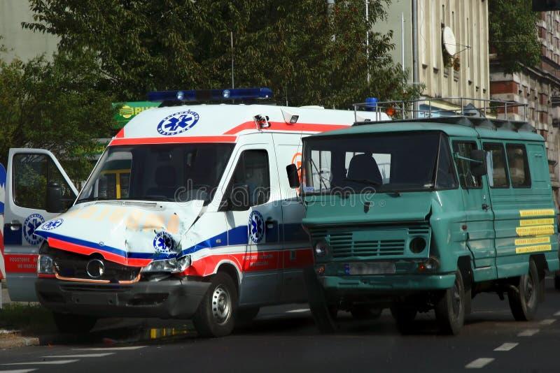 förstörd ambulans royaltyfria bilder