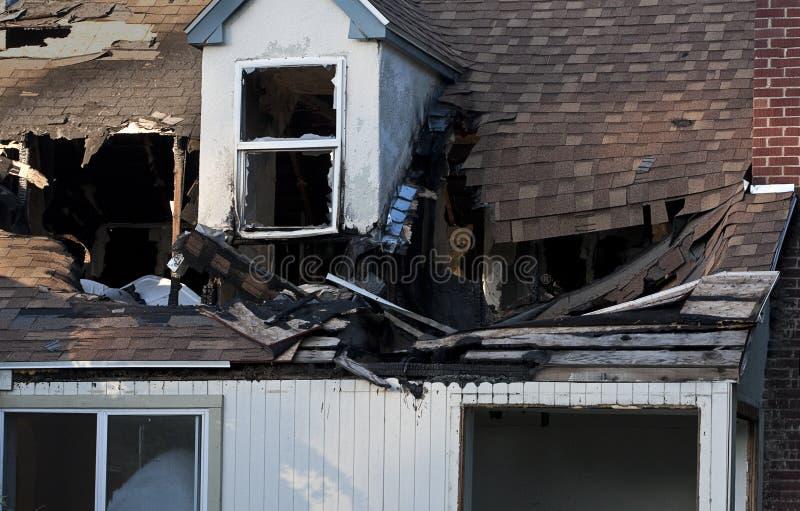 förstörd brandutgångspunkt arkivbild