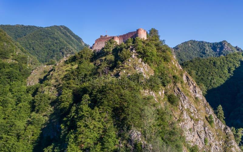 Förstörd Poenari fästning, Rumänien arkivfoton