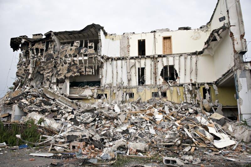 förstörd serie för byggnadsskräp royaltyfria bilder