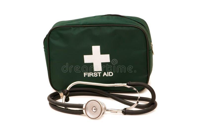 Första hjälpsats och stetoskop royaltyfri bild