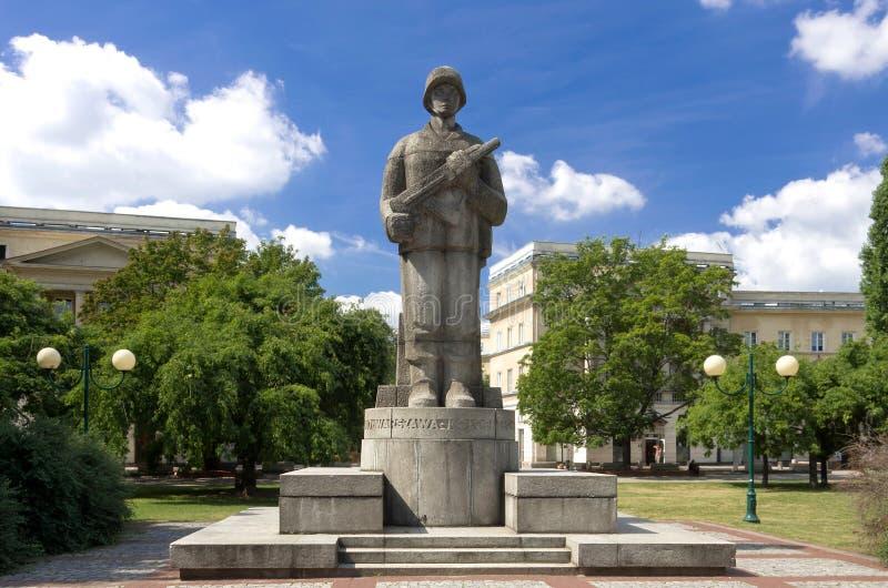 Första monument för polsk armé arkivfoto