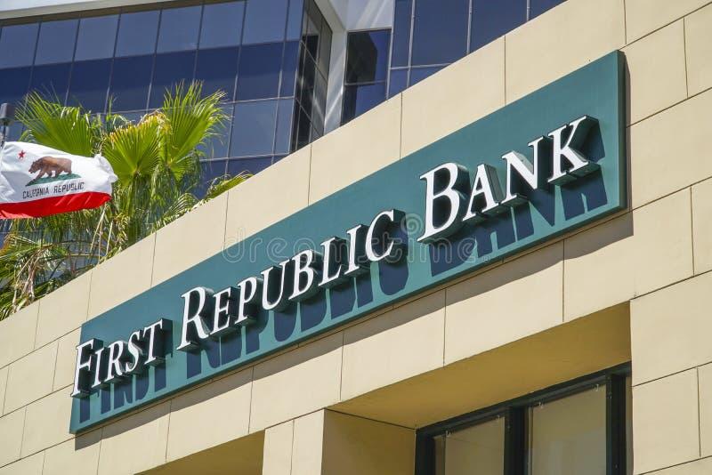 Första republikbank i Beverly Hills Los Angeles - LOS ANGELES - KALIFORNIEN - APRIL 20, 2017 royaltyfri fotografi