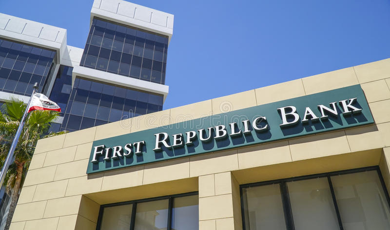 Första republikbank i Beverly Hills Los Angeles - LOS ANGELES - KALIFORNIEN - APRIL 20, 2017 royaltyfri fotografi