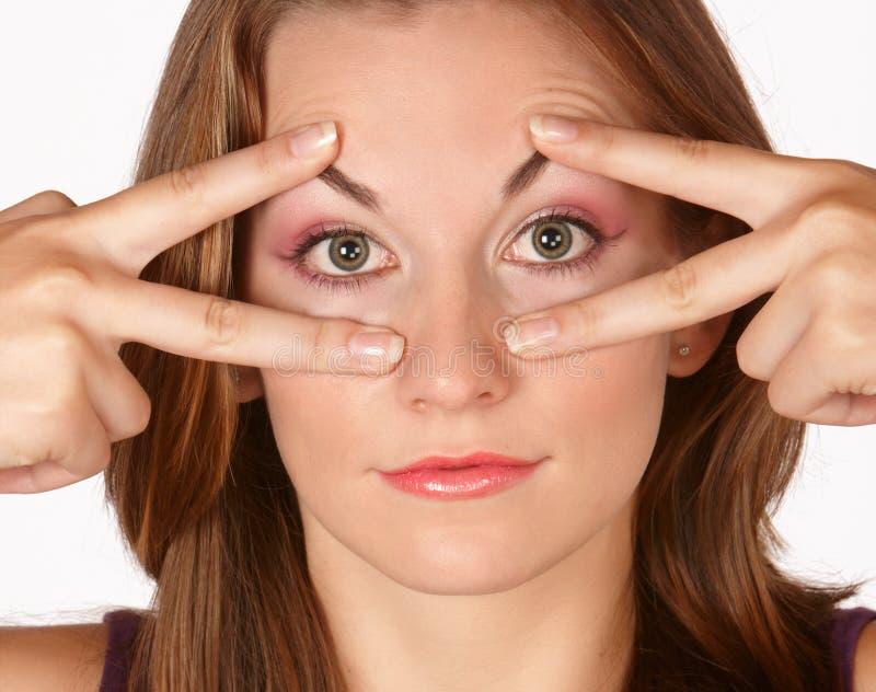 förstorande ögon fotografering för bildbyråer