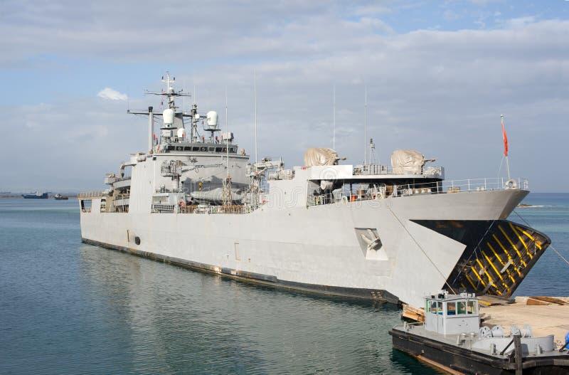 Förtöjd krigsskepp royaltyfria bilder