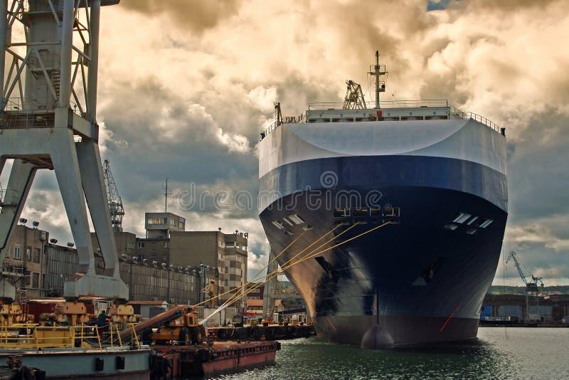 förtöjd ship royaltyfri bild