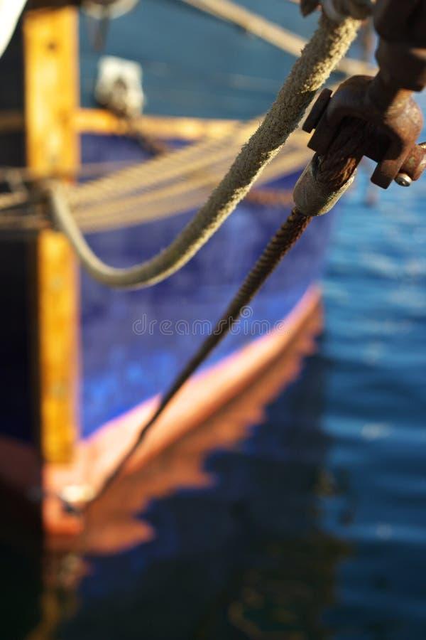 förtöjde fartygdetaljer arkivfoton