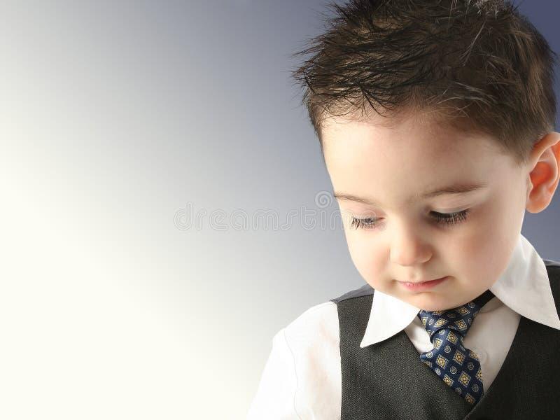 förtjusande vest för pojketielitet barn royaltyfri bild