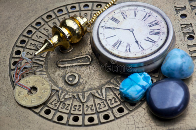 Förutsäga framtiden till och med astrologi royaltyfri bild