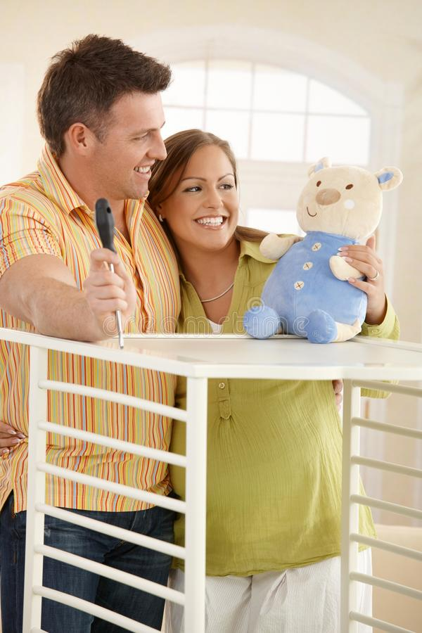 förväntansfull le toy för par royaltyfria bilder