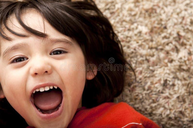 förvånad litet barn för pojke fotografering för bildbyråer
