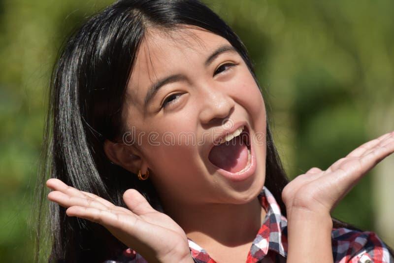 Förvånade Filipina Girl royaltyfri bild