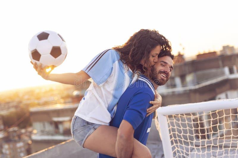 Fútbol y amor fotografía de archivo