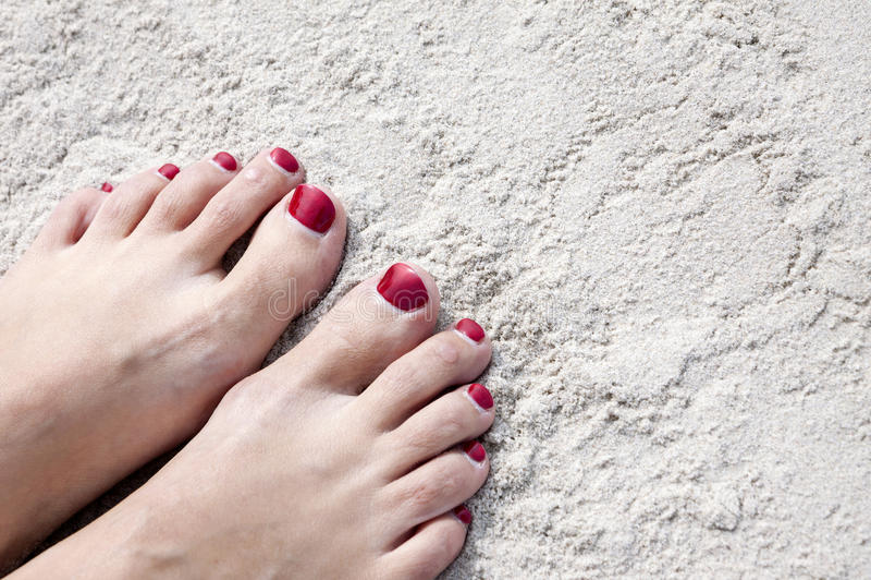 Füße auf Sand lizenzfreie stockfotos