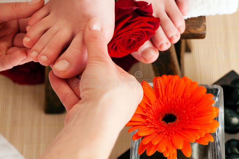 Füße Massage- lizenzfreies stockfoto