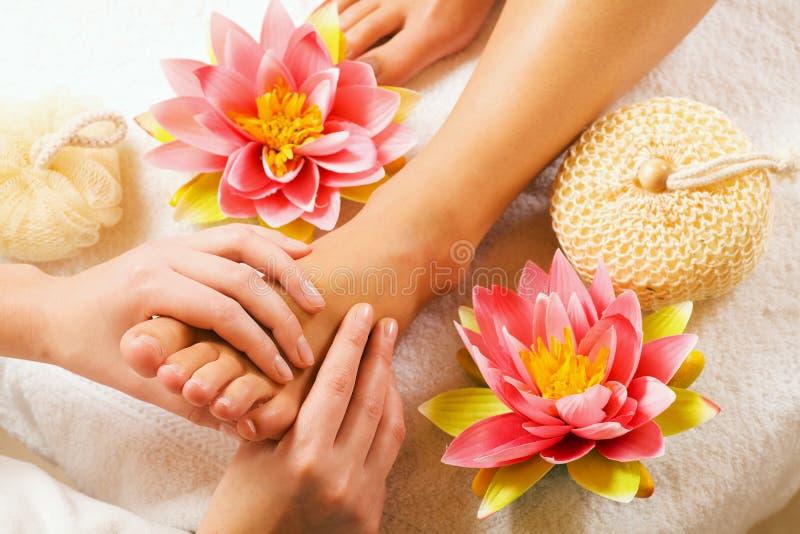 Füße Massage lizenzfreies stockfoto
