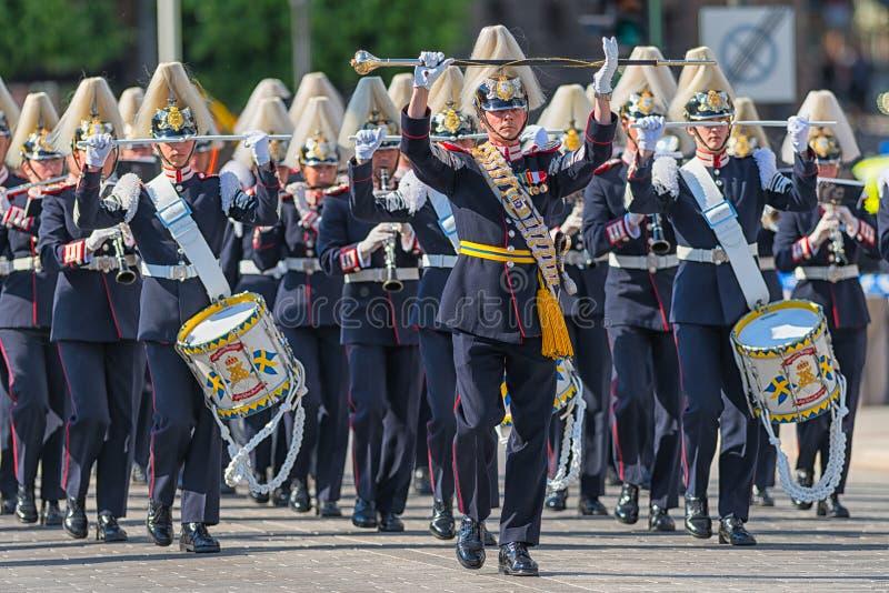Führen Sie mit dem Armee-Musik-Korps vor, das die Prozession begann. Am 8. Juni 2013 lizenzfreies stockfoto