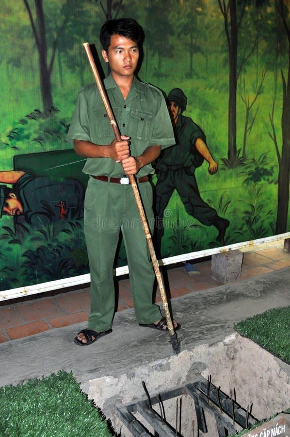 Führer zeigt Vietcong Rollenfalle stockfotos