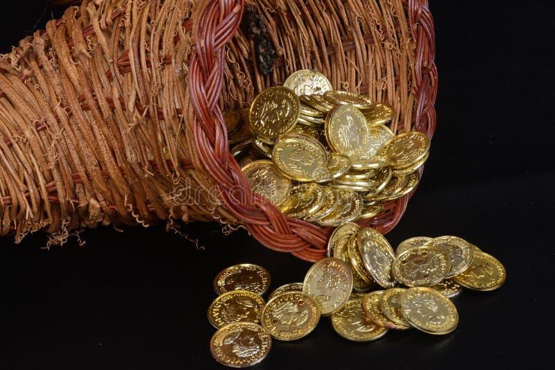 Fülle des Goldes lizenzfreie stockbilder