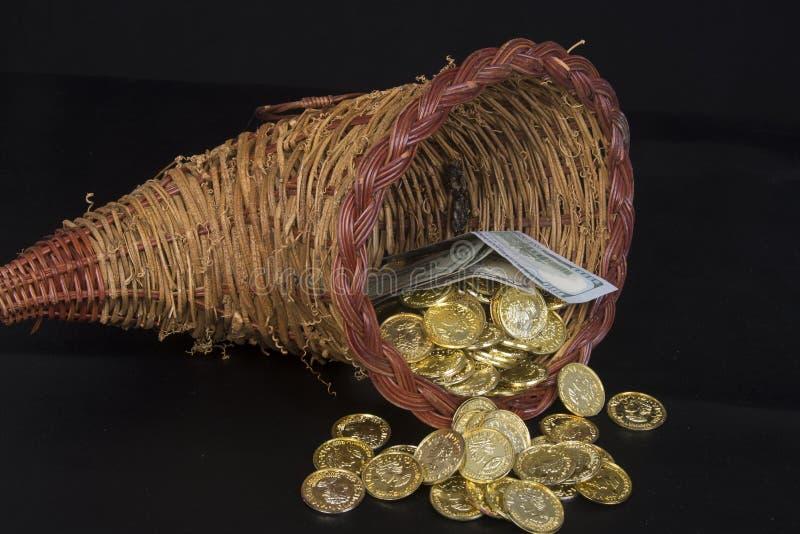 Fülle des Goldes und des Bargeldes stockfotos