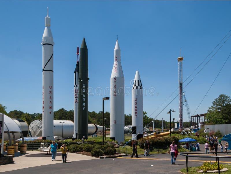 Fünf aufrechte Raketen stockfotografie