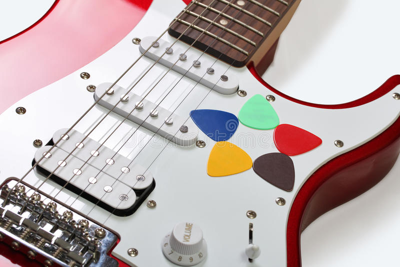 Fünf farbige Auswahl auf einer Gitarre stockfotografie