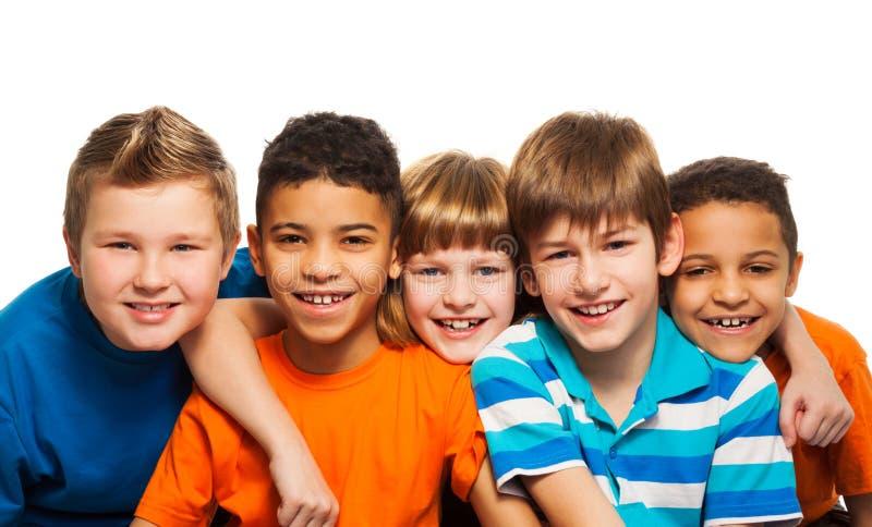 Fünf Kindernahaufnahmeporträt stockbild