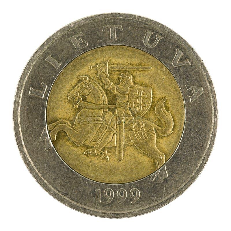Fünf Litauer litai Münze 1999 lokalisiert auf weißem Hintergrund lizenzfreie stockfotos