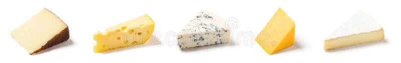 Fünf verschiedene Keile Käse auf Weiß stockfotos